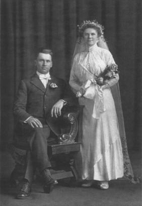Christian & Nora (Brettingen) Olson